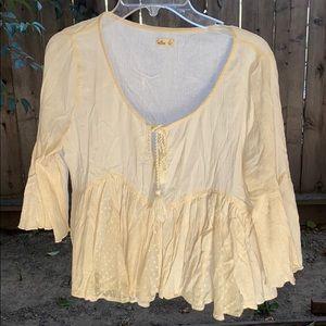 Adorable 3/4 sleeve blouse